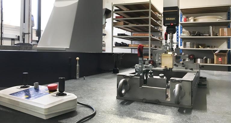 Machine pour contrôle tridimensionnel de pièces usinées de grandes dimensions - Le Pratique